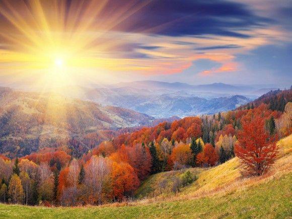 Fond D Ecran Du Soleil Qui Brille Sur Une Vallee En Automne Beautiful Nature Wallpaper Sunrise Wallpaper Nature Pictures