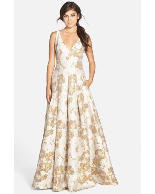 Aidan Mattox | Gold Metallic Jacquard V-Neck Gown | Lyst | модели ...