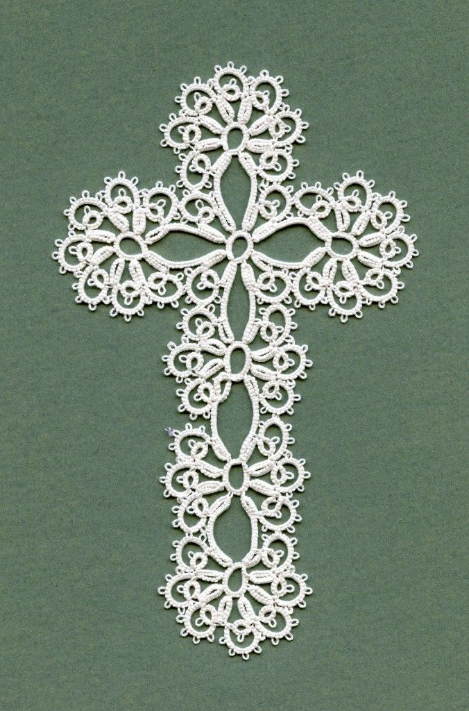 Here is the pattern for this tatted cross. http://bentats.nl ...