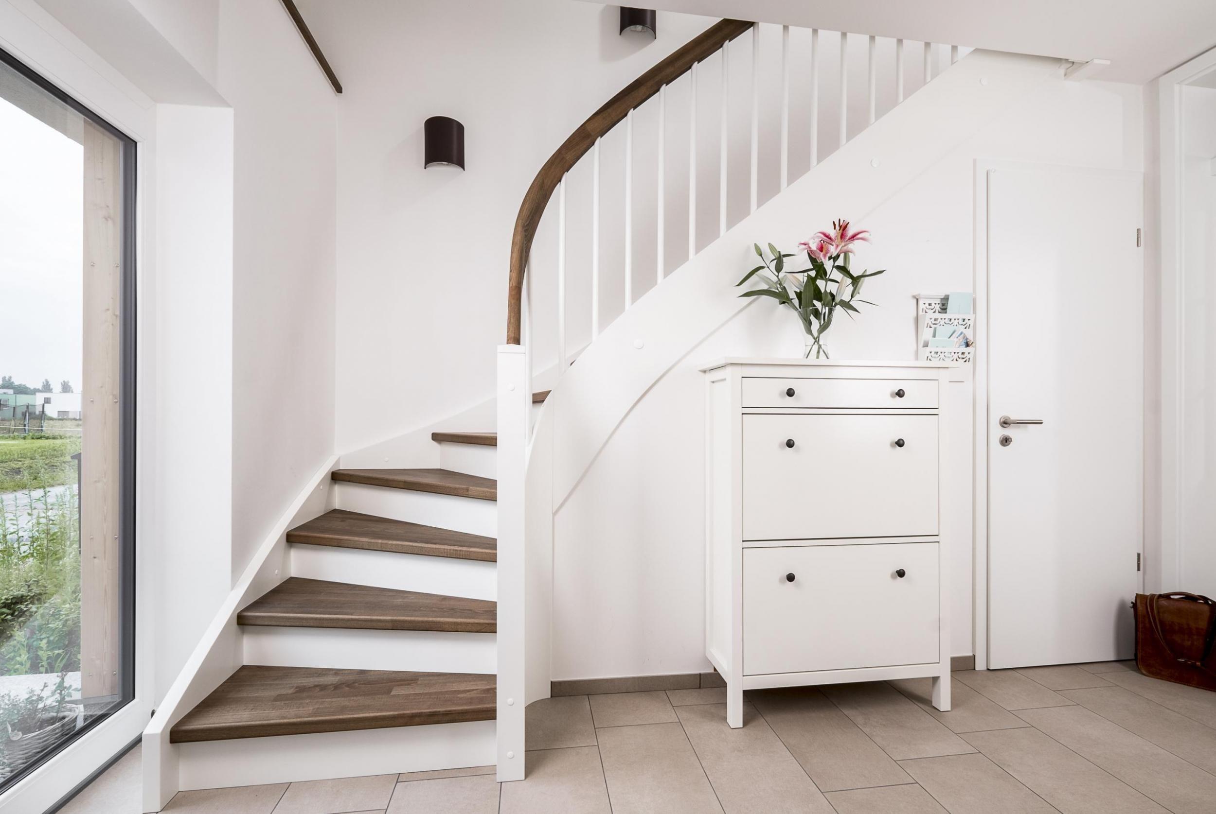 Wangentreppen made in Norddeutschland. - Treppenbau Voß #eingangsbereichhausinnen