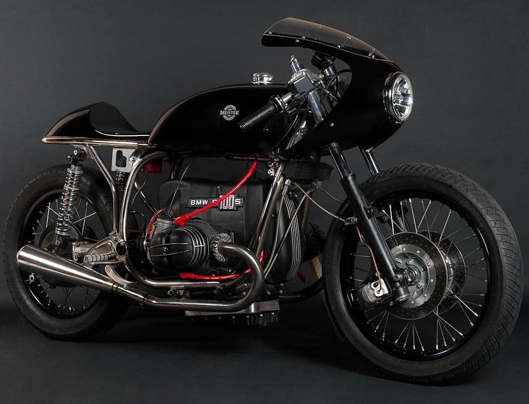 the moto blog a classic black bmw r100 s cafe racer builder by