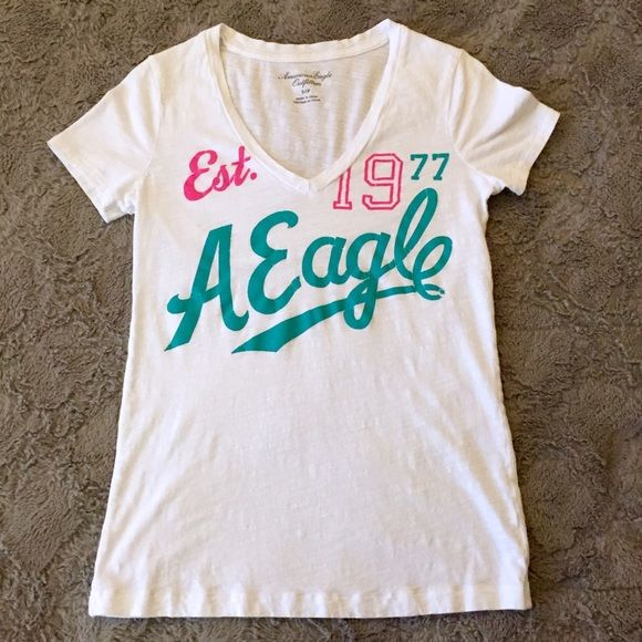 AE Graphic Tee Cute graphic tee in great condition, only worn a few times. Tighter fit, true to size. American Eagle Outfitters Tops Tees - Short Sleeve