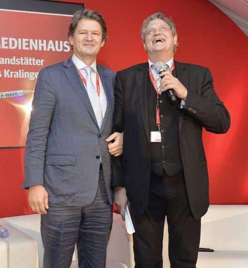 Zwei, die sich verstehen: Chefredakteur Helmut Brandstätter und Ober-Schmähtandler Dieter Chmelar. (Foto: Jeff Mangione)