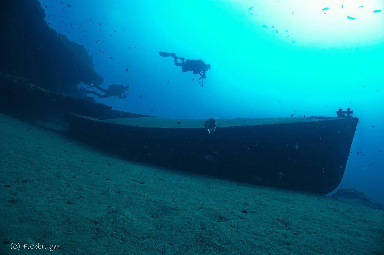 Also Tiny Wrecks Are Possible On The Beautiful Divesite Playachica In Puertodelcarmen Divinglanzarote Daivoo Chica En La Playa Puerto Del Carmen Lanzarote