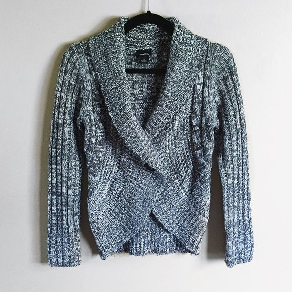cb00418dc3 Rue 21 blue gray speckled cardigan Cute speckled cardigan from rue 21. It is