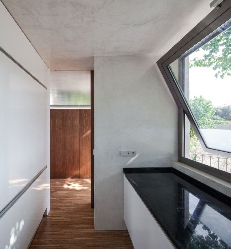 House On A Warehouse By Miguel Marcelino