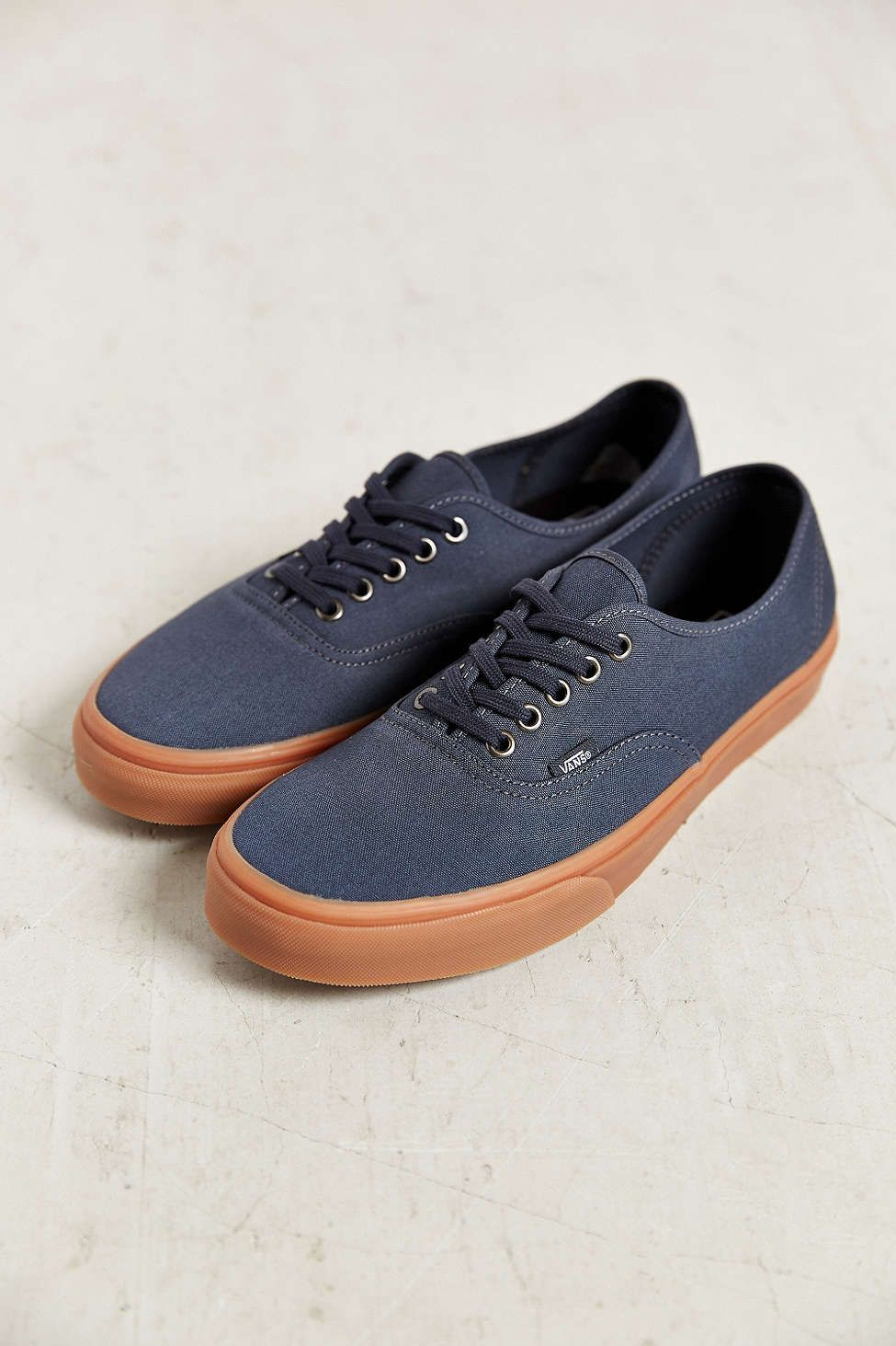 ef1cad8a96e Vans Authentic Gum-Sole Men s Sneaker Dark Blue Size 9.5  45 urban  outfitters