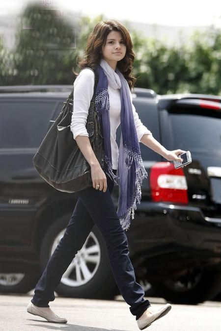 Selena Gomez Purses Leather Handbags Celebrity Favorite Designer