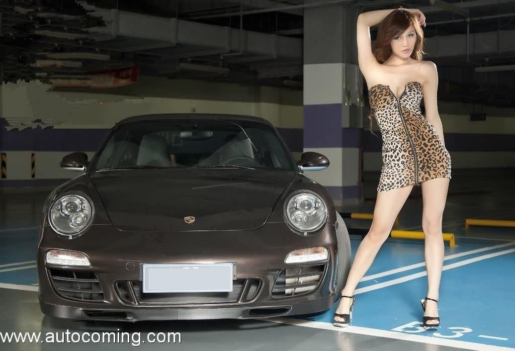 Porsche 911 Carrera 3.5L AT (2012)