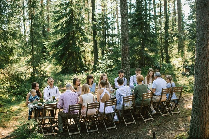 Neutral eco friendly wedding in the forest | Intimate wedding reception in the forest | fabmood.com #wedding #neturalwedding #ecofriendlywedding