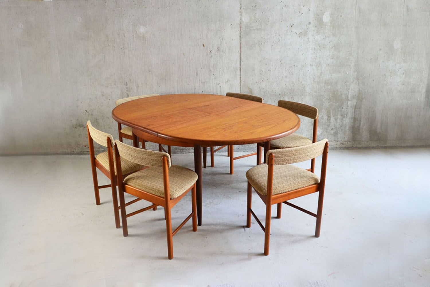 1970 S G Plan Extendable Dining Set Table And Six Chairs Vinterior London Ercol Dining Table Retro Dining Table Mid Century Dining Table [ 1000 x 1500 Pixel ]