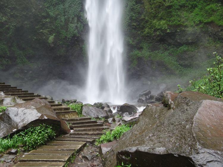 23 Destinasi Wisata Di Malang Dan Sekitarnya Yang Wajib Kamu Singgahi Air Terjun Pemandangan Tempat Liburan