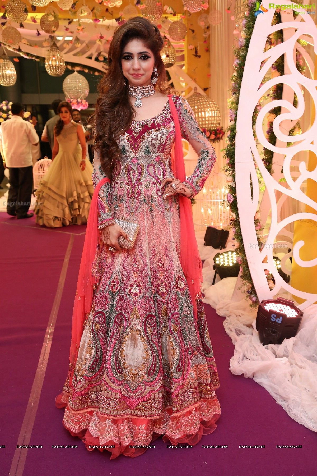Pin de Aaraish en Pakistani bridal wear   Pinterest