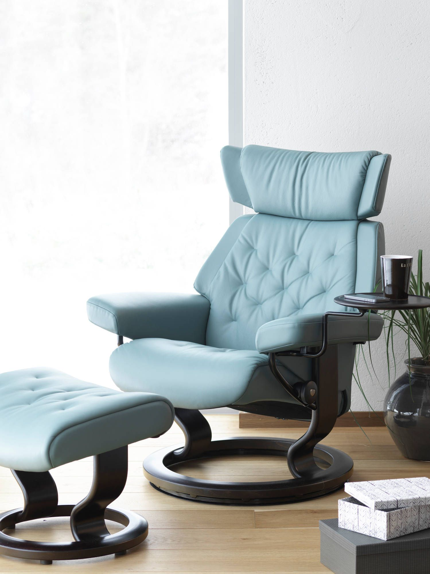 stressless skyline recliner in paloma leather (color: aqua green