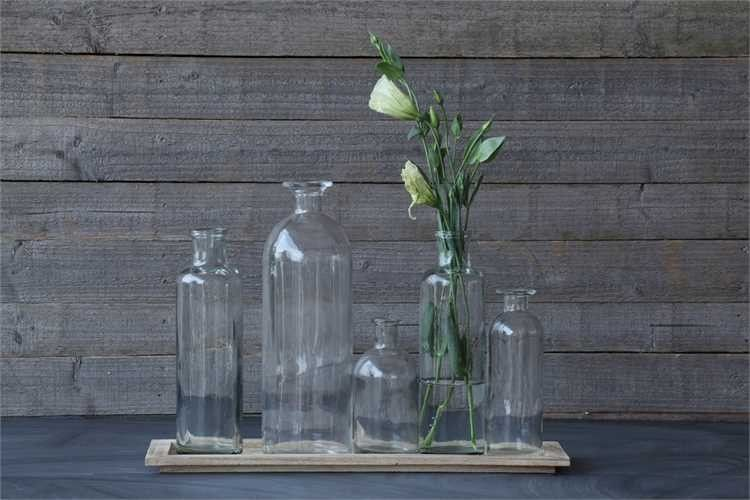 wood tray w/ 5 glass bottle vases
