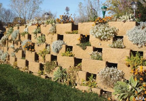 I like how they worked plants into the wall. I would like to see a ...