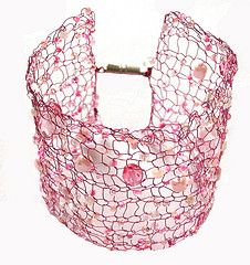 """Pink knitted wire/beads cuff bracelet - """"Princess"""""""