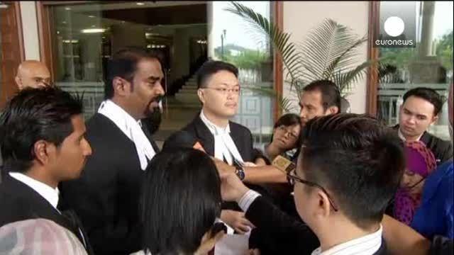 """MH370:""""os demandamos por no haber llevado a salvo a nuestro padre"""""""