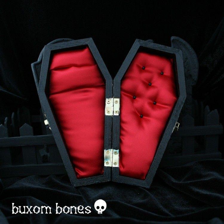 Halloween Wedding Gift Ideas: Gothic Wedding Coffin Jewelry Box