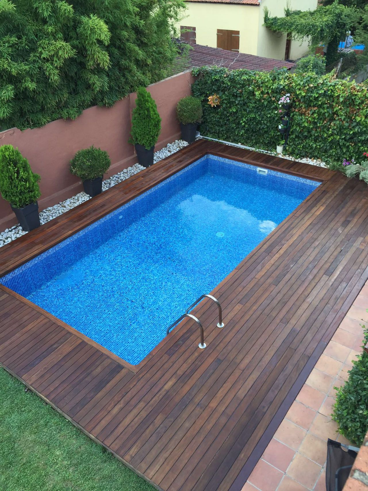 Tarima para piscina