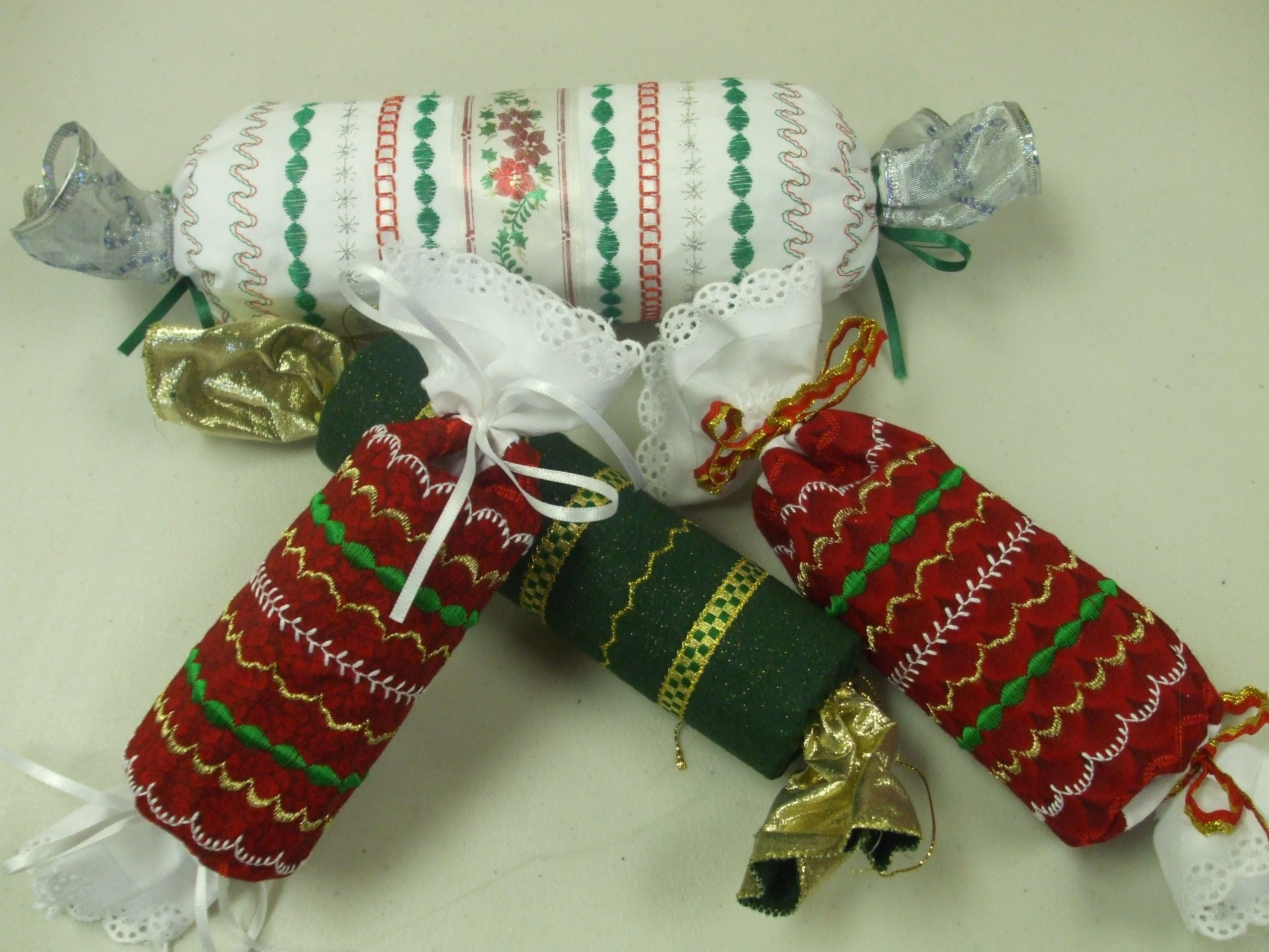 Christmas Sewing Craft Ideas Part - 50: ANOTHER CHRISTMAS PROJECT IDEA: Christmas Crackers