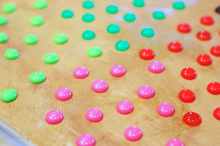 DIY Enamel Dots--has anyone tried making these? - disneyscrappers