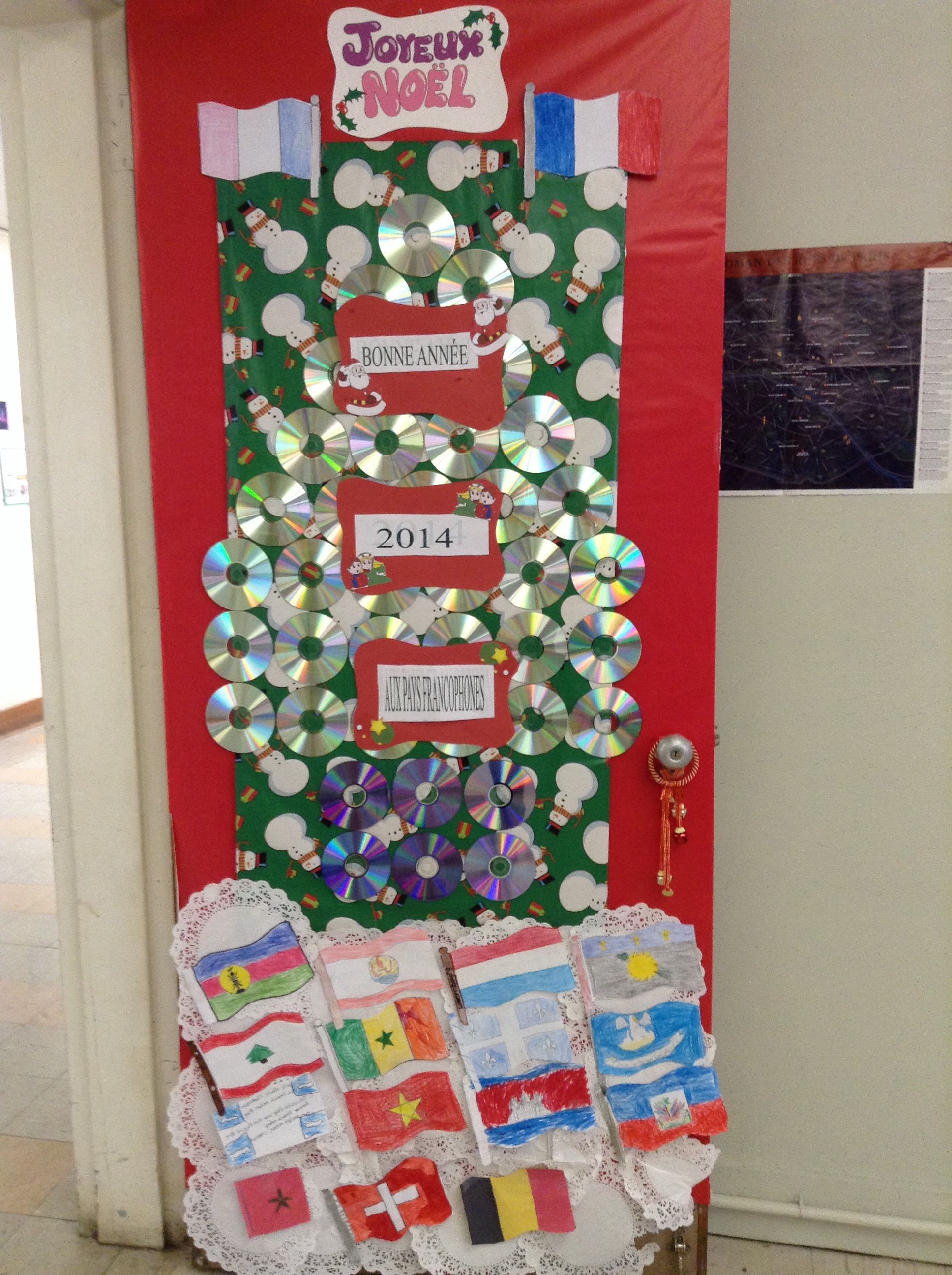 French classroom Christmas door. Made from recycled