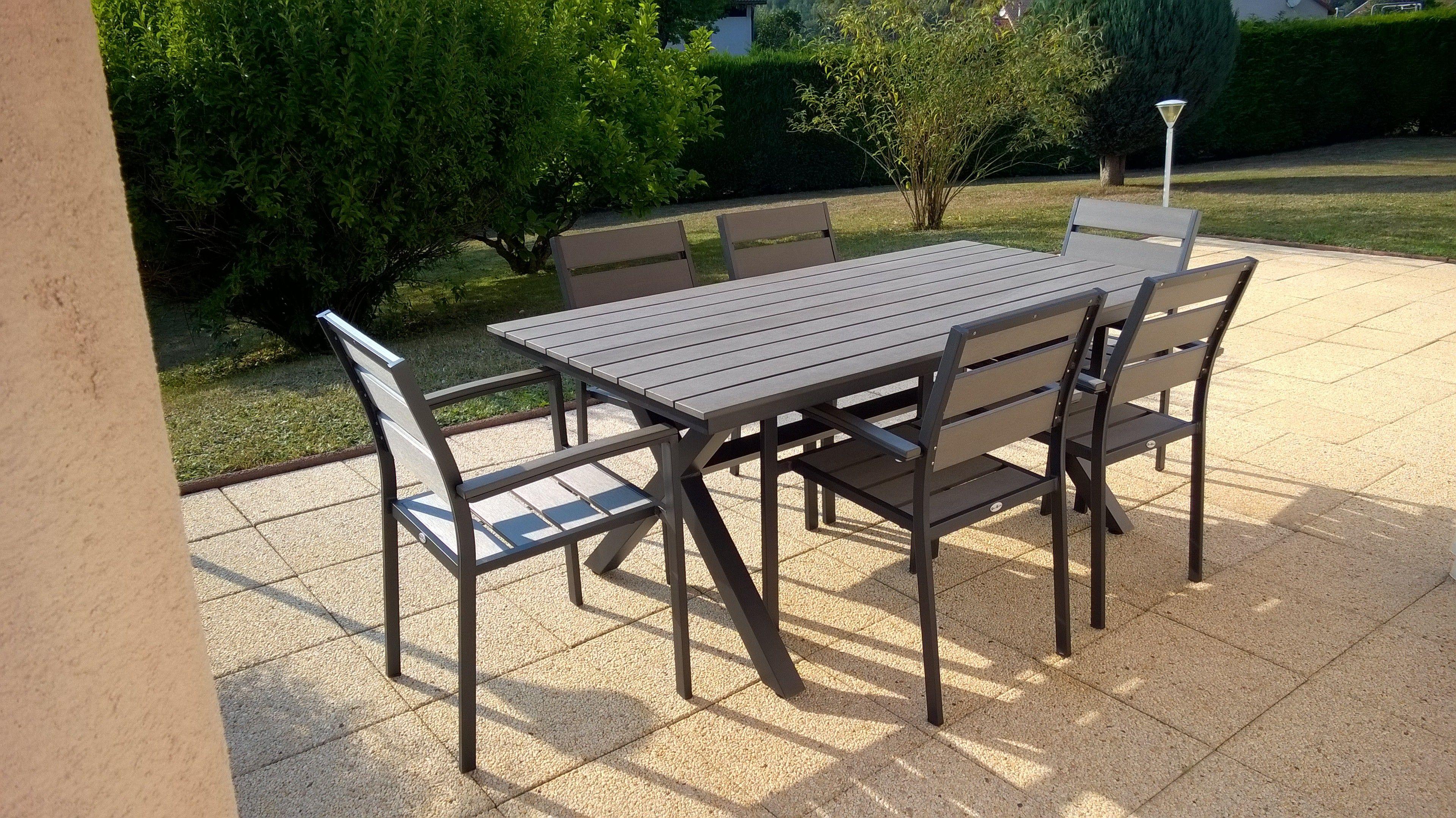 Ensemble table de jardin 4 chaises et 2 fauteuils Monaco en bois
