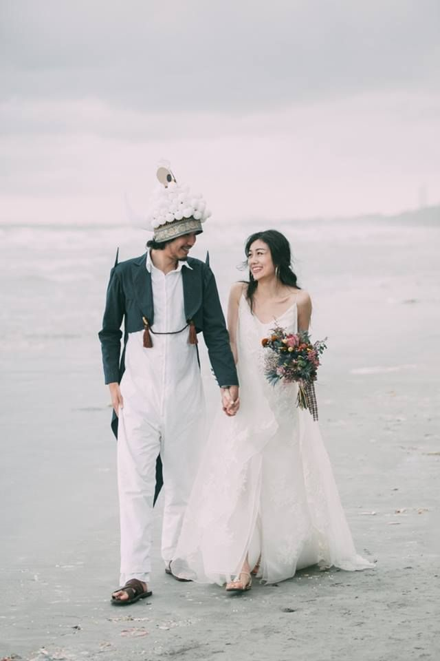 งานแต่งริมหาด ระยอง เจ้าของร้าน ชุดเจ้าสาว สละโสด กับ หนุ่ม Artistic Designer { Whimsical beach wedding }