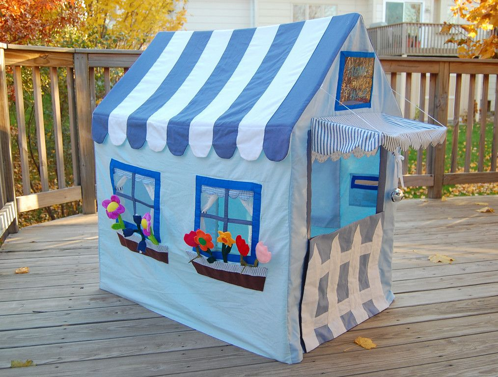 25 diy hideouts forts tents teepees and playhouses play house