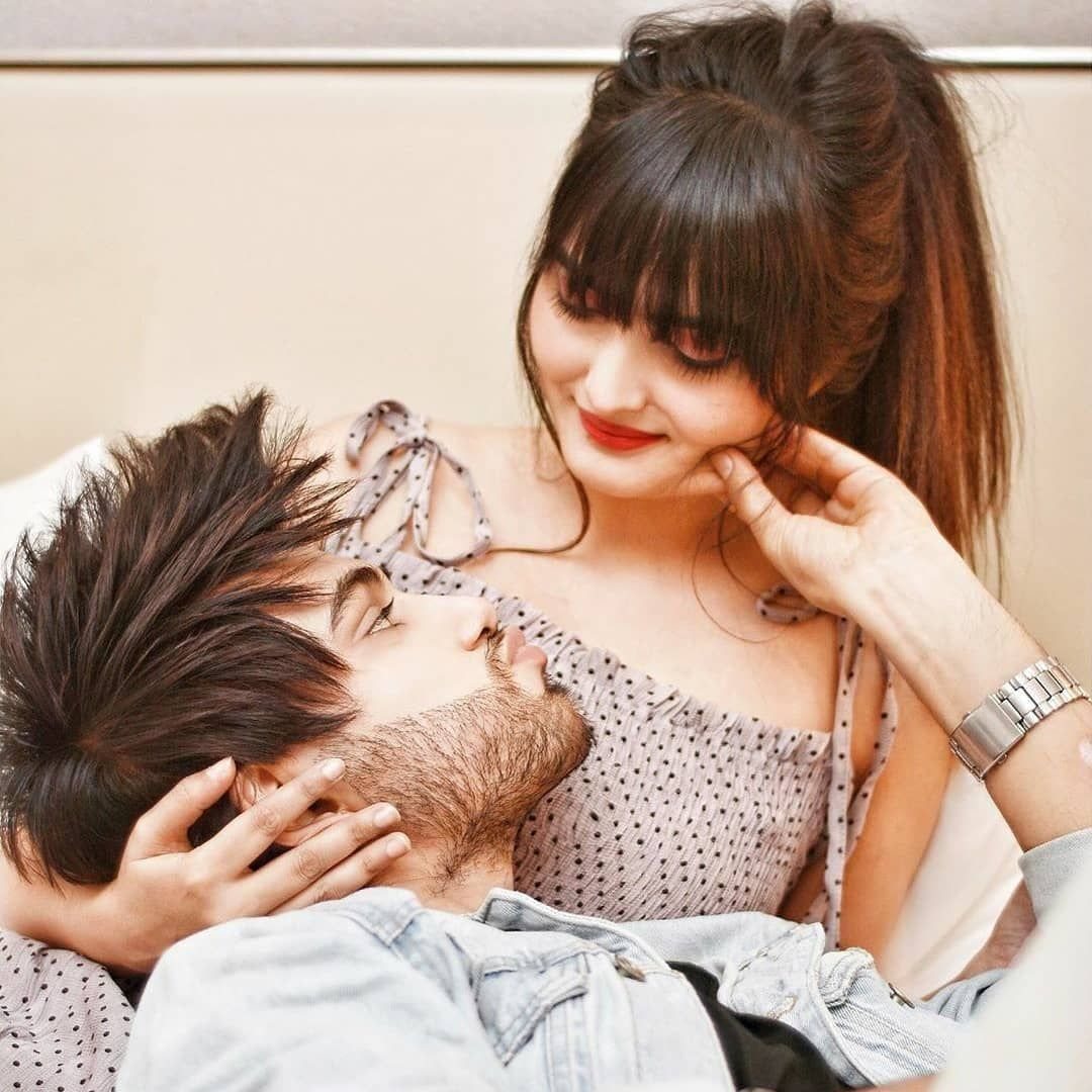 45 Beautiful Romantic Couple Pic For Dp Whatsapp Dp Facebook Dp 2020 Hifipic Best Collection Of H Romantic Dp Romantic Couples Whatsapp Profile Picture