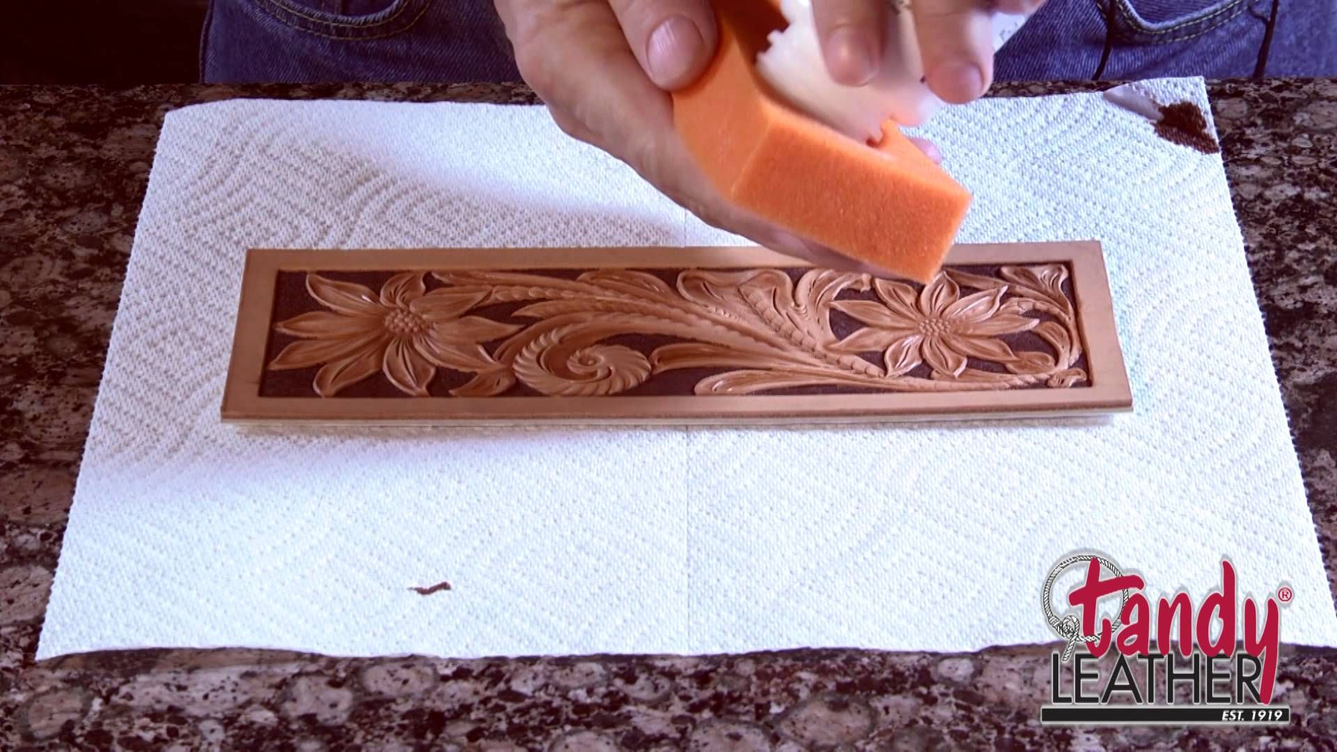 Learning Leathercraft With Jim Linnell Lesson 9 Dyeing