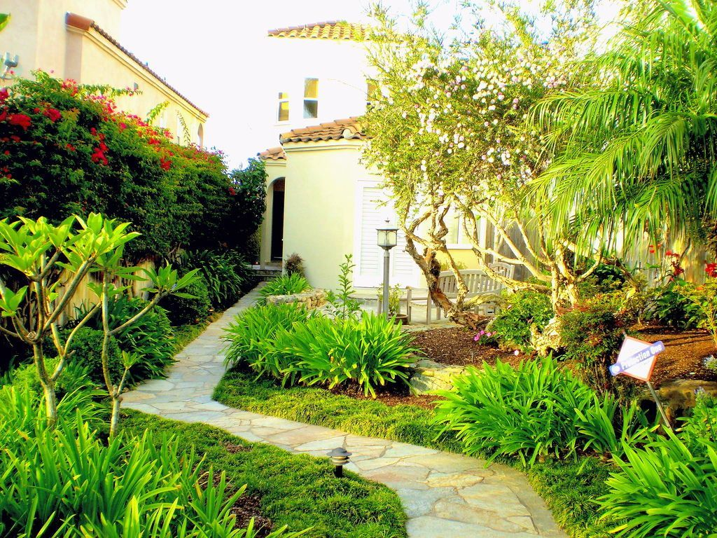 Simple easy and cheap diy garden landscaping ideas for front yar