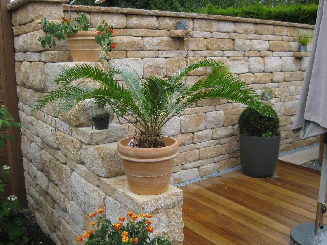 Bildergebnis f r gartengestaltung mit naturstein mauern wasserl ufe und terrassen garten - Gartengestaltung mit mauern ...