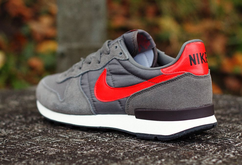 nike roshe run mens challenge red seal exam