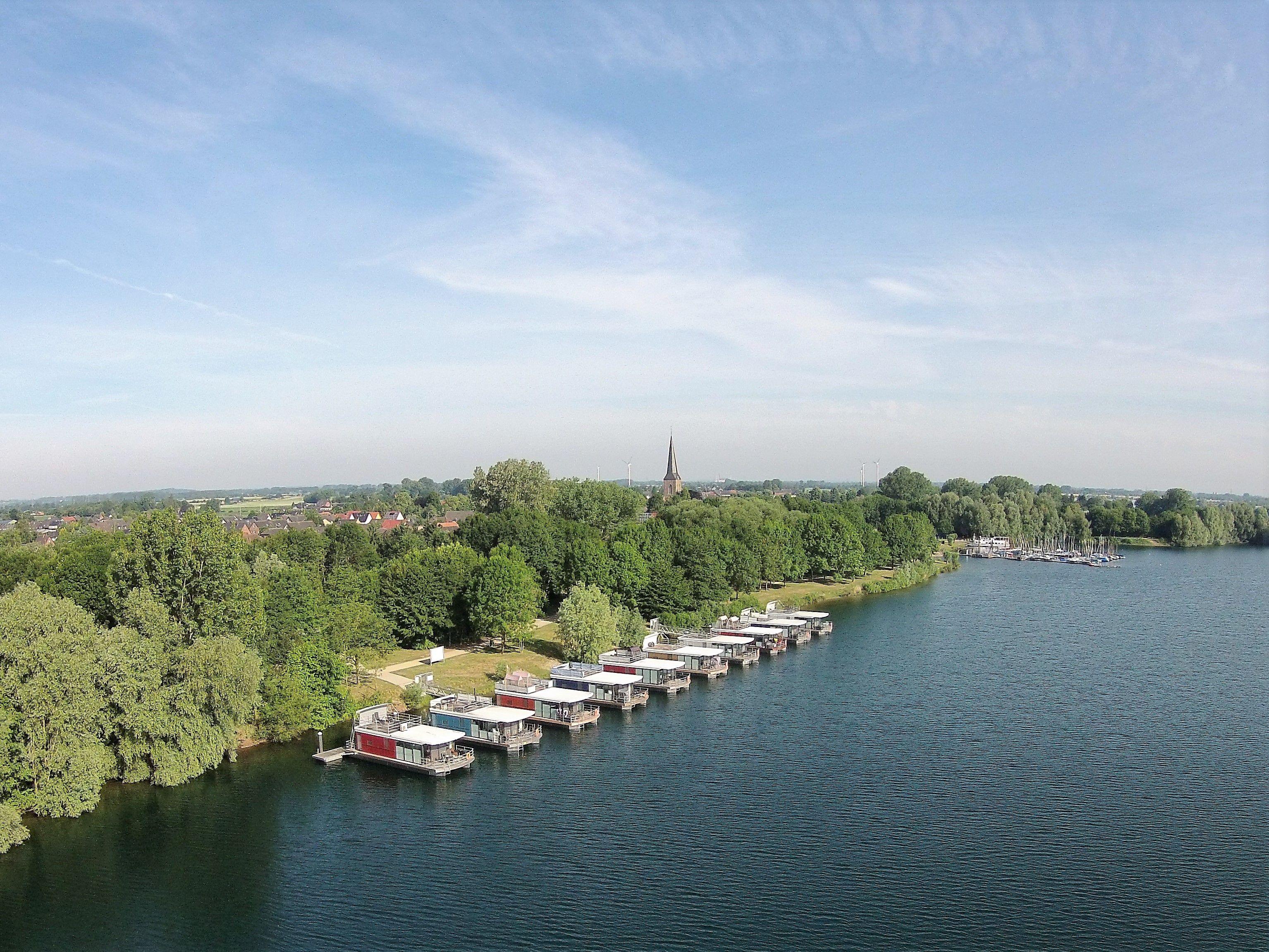 Hausboot, Hausbooturlaub, Ferienhaus floating house