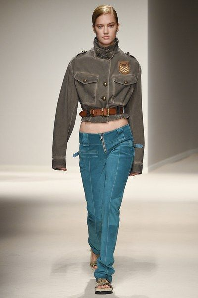 View the complete Fay Spring 2017 collection from Milan Fashion Week. a622fc9d7d4