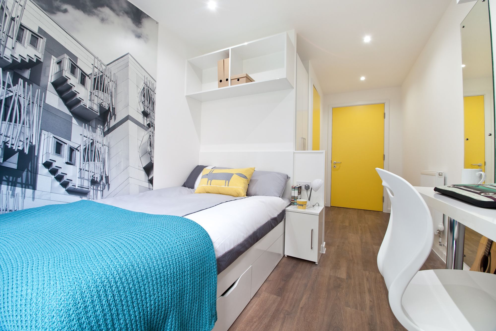 2 bed apartment en suite bedroom at edge apartments birmingham student accommodation www Bedroom furniture for college students
