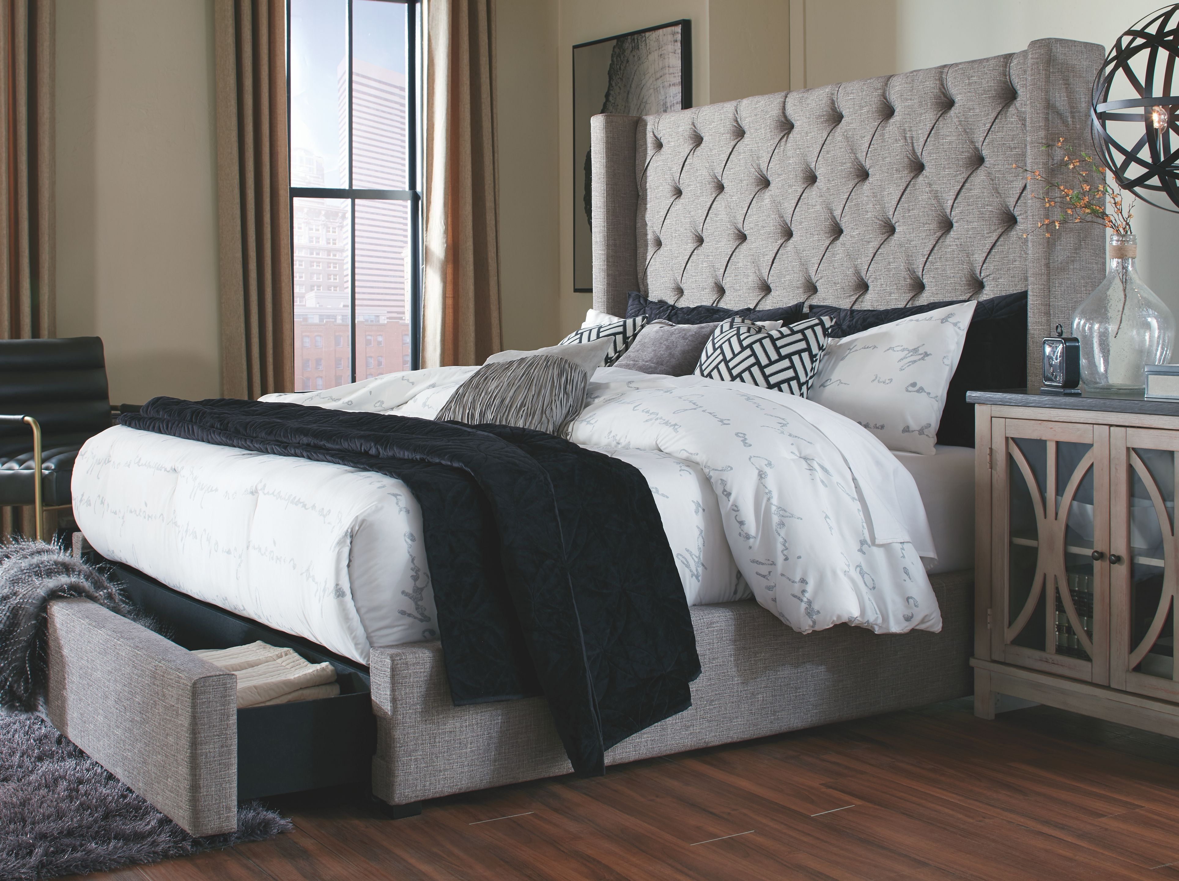 Sorinella California King Upholstered Bed with Storage