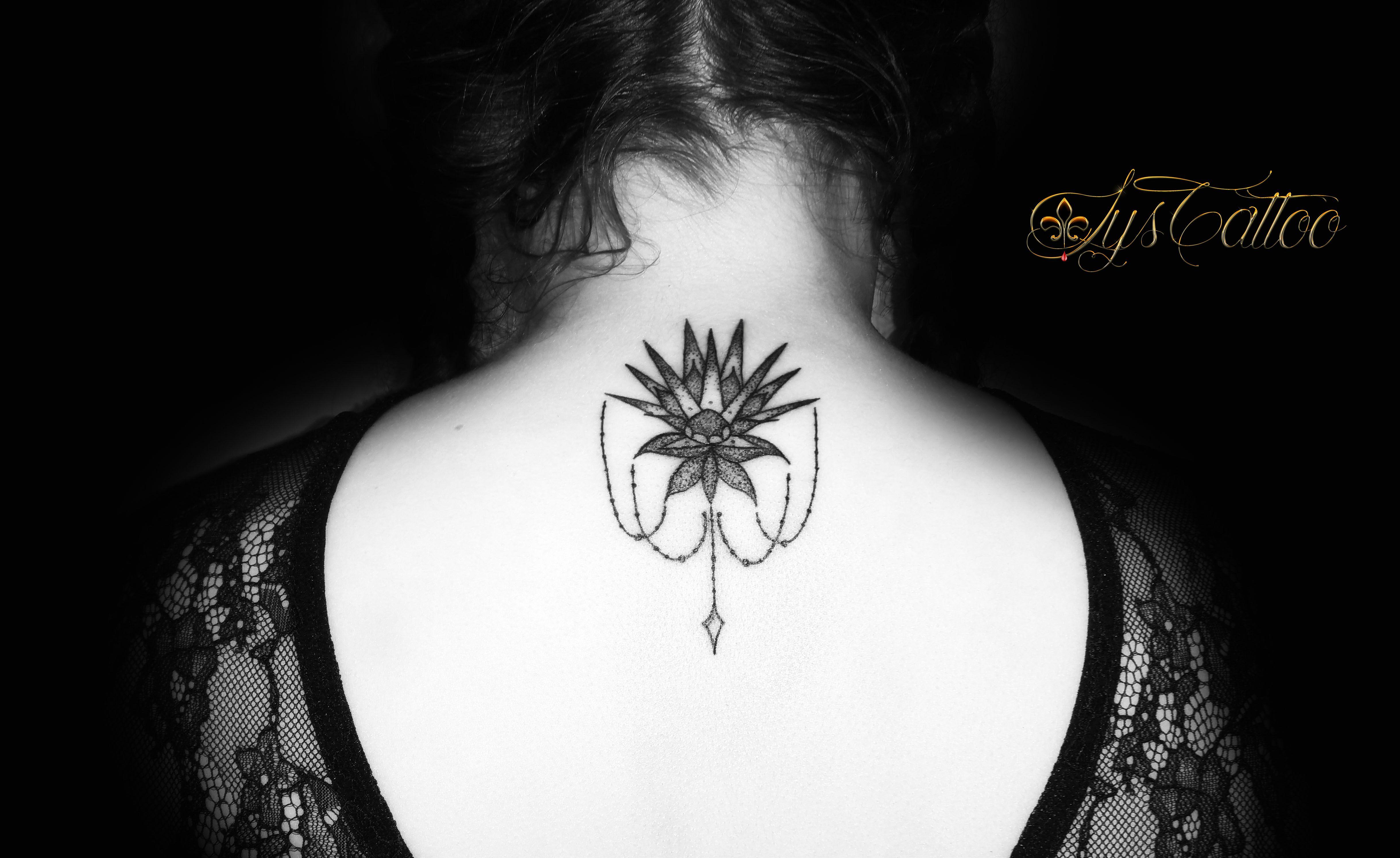 tatouage lignes et dotwork fleur de cactus chaines et perles by lys tattoo cactus flower. Black Bedroom Furniture Sets. Home Design Ideas
