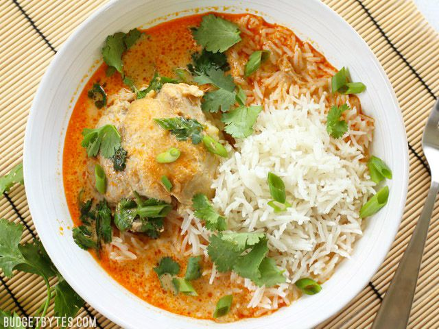 Thai coconut curry braised chicken thighs receta thai coconut curry braised chicken thighs forumfinder Choice Image