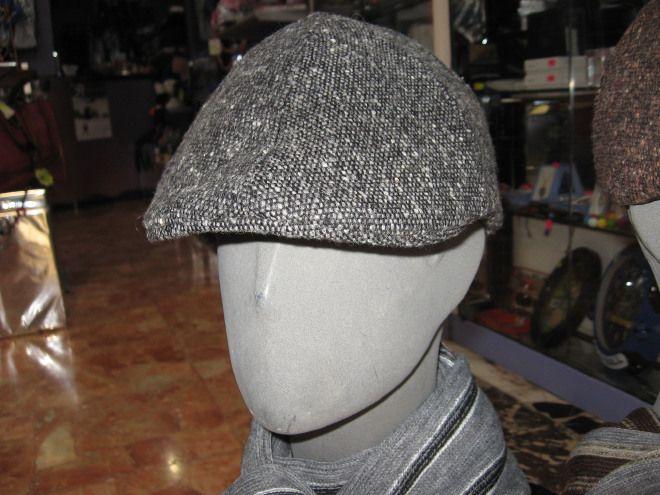 Cappello uomo grigio