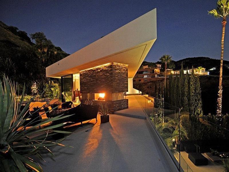 http://www.worldpropertychannel.com/news-assets/Duke-Residence-1.jpg