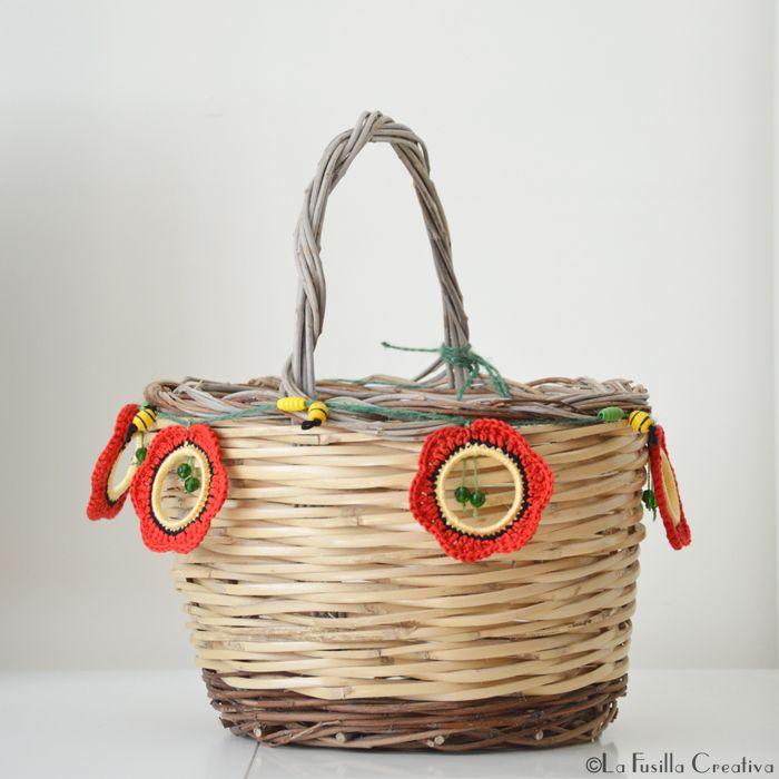 Photo of La Fusilla Creativa: poppies crochet garland