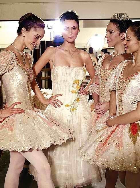 My favorite dancer. Marianella Nunez on the left end