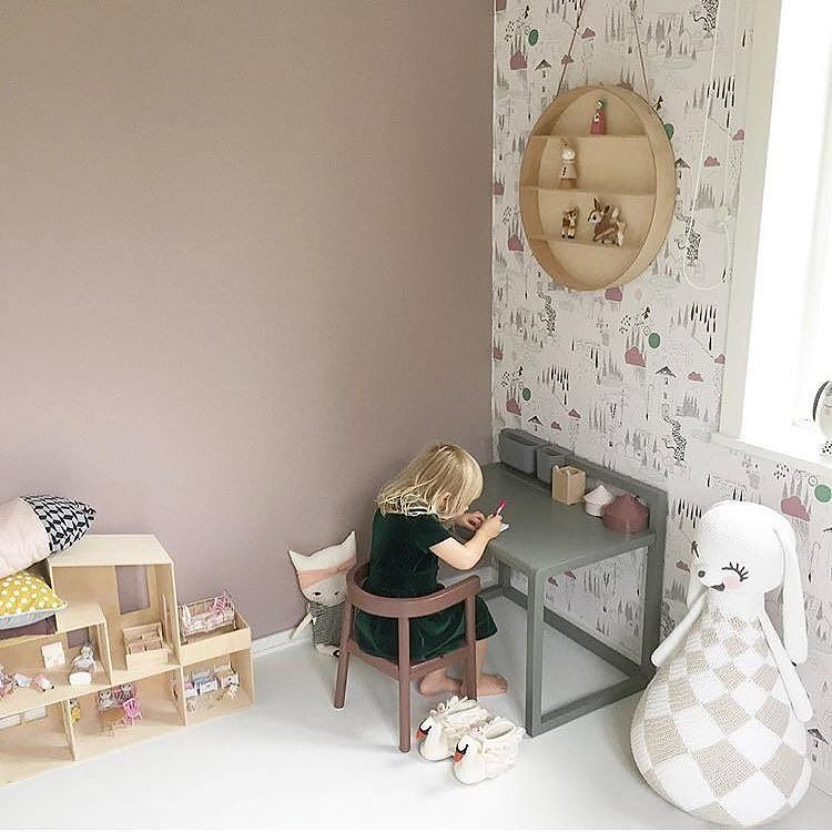 Some Thursday morning kidsroominspo for you. A colour scheme in dusty green and rose against neutral birch wood and white. A bit unusual but  it looks great - what do you think? The @fermlivingkids dorm shelf is available from us and we've added it in our sale for just a short time so if you've had you eye on it do be quick! . . . ⠀⠀ #fermliving #nordichome #worldoflittles #celebrate_childhood #scandinaviandesign #kidsinteriors  #kidsroomdecor  #kidsroominterior  #nurseryinspo #nurserydecor…