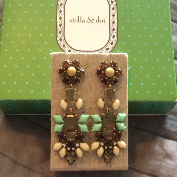Stella & Dot Melanie Chandeliers These earrings are in excellent ...