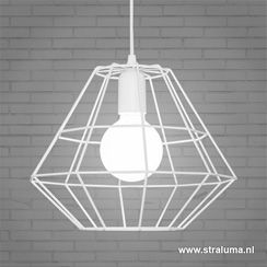Wat een schatje, deze witte hanglamp draad. Hij doet zijn naam eer ...