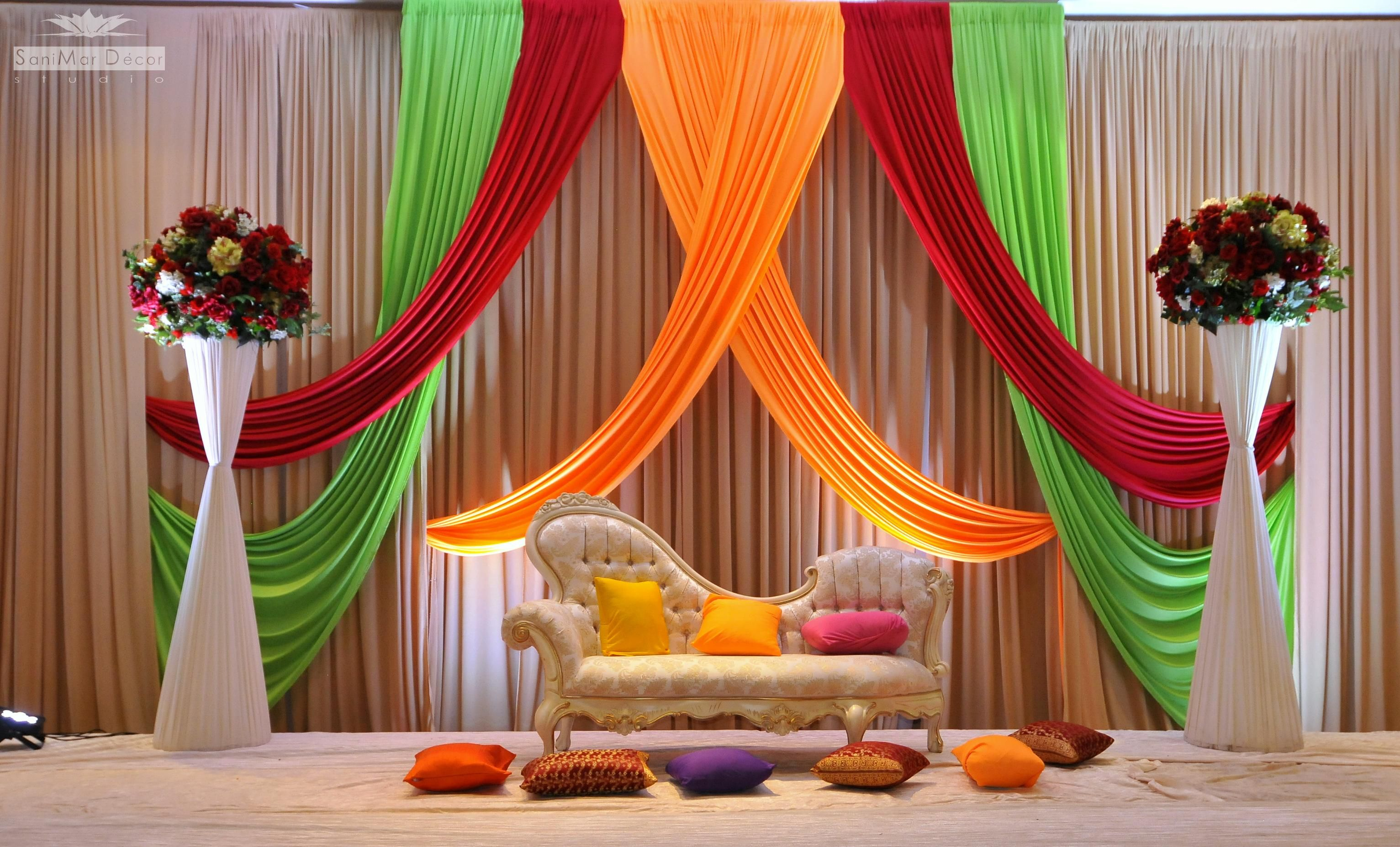 Wedding stage decoration wedding decorations natural for Asian wedding bed decoration ideas