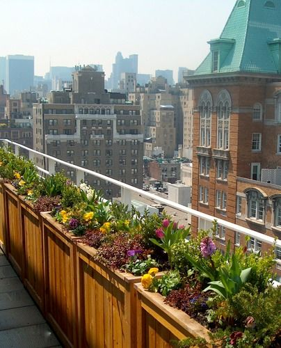 Upper East Side Wrap Around New York Garden Landscaping Urbangreendesign Com Home And Garden Rooftop Garden Garden Inspiration